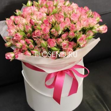 Букет из кустовых роз в коробке